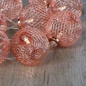 Guirlande Lumineuse Boules Métalliques Ajourées Cuivre