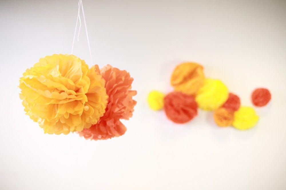 Pompons Orange 30cm x2